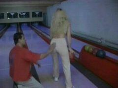 Quickie auf der Bowlingbahn