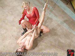 Fetisch Sex mit blonder Domina