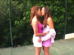 Brünette Lesben Girls
